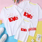 các kiểu áo gia đình in Love hình khối