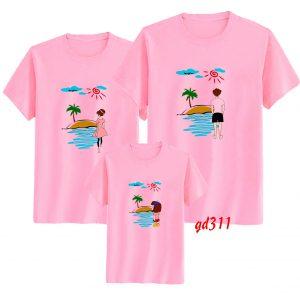 đặt áo gia đình đi biển
